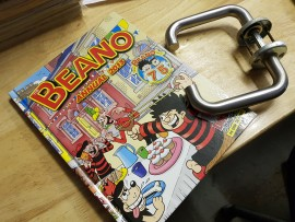 Beano Annual 2013 + free door handle