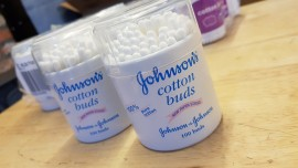 Johnson Cotton Buds         ideal for Boris